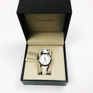 Burberry NWT The City Haymarket Check White Watch